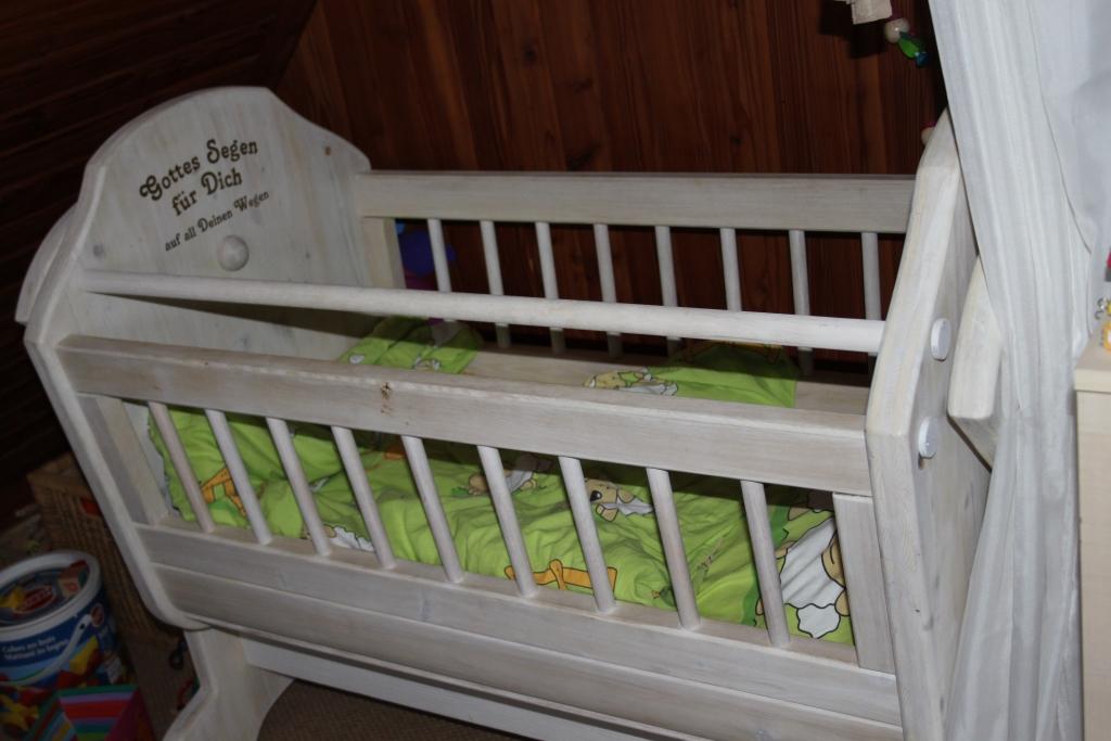 Kinderwiege Tischlerplatte Holz