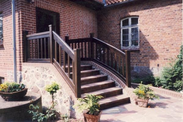 Treppengeländer Steintreppe